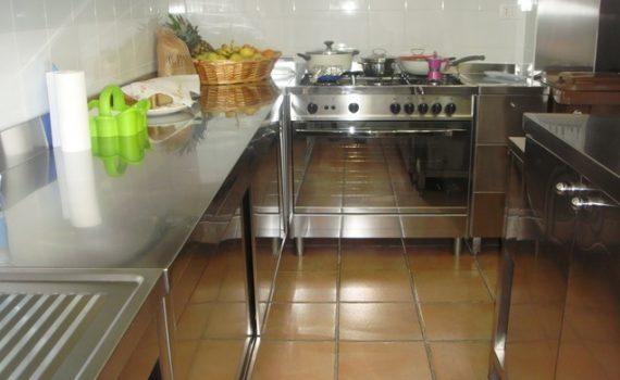 casa-di-riposo-viterbo-villa-bea-faleria-cucina-3