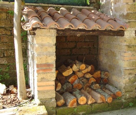 casa-di-riposo-viterbo-villa-bea-faleria-esterni-legnaia