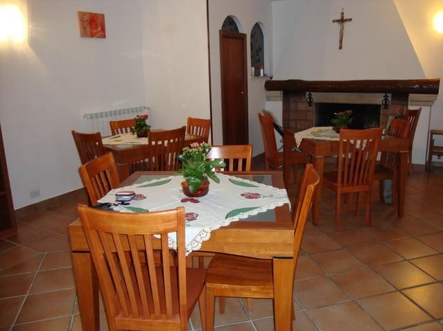 casa-di-riposo-viterbo-villa-bea-faleria-salotto-5